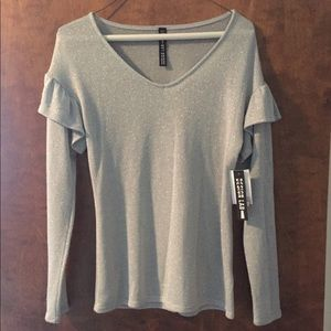 NWT beautiful silver sweater xs